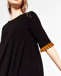 Image 4 of SHORT PLEATED DRESS from Zara