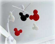 Musicais de Mickey Mouse Inspirada com Berço POR LullabyMobiles móveis