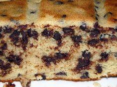 Gâteau moelleux au yaourt et pépites de chocolats. - Recette de cuisine Marmiton : une recette