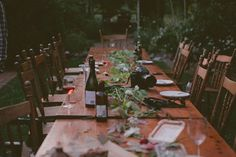 outdoor dining; natural, simple decorations