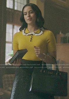Veronica's yellow ruffled collar top on Riverdale Veronica Lodge Outfits, Veronica Lodge Fashion, Fashion Tv, Winter Fashion Outfits, Modern Outfits, Cool Outfits, Riverdale Veronica, Where To Buy Clothes, Riverdale Fashion