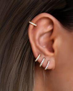 Cute Cartilage Earrings, Cartilage Piercing Hoop, Opal Earrings, Gold Hoop Earrings, 2nd Ear Piercing, Helix Cartilage Earrings, Conch Hoop, Helix Hoop, Ear Jewelry