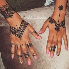 Henna Inspired Tattoos, Cute Henna Tattoos, Tribal Hand Tattoos, Hand And Finger Tattoos, Henna Tattoo Designs Simple, Pretty Henna Designs, Floral Henna Designs, Finger Henna Designs, Henna Tattoo Hand