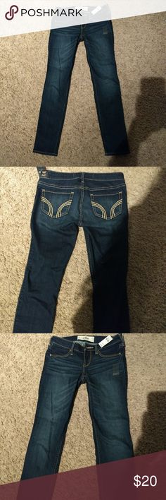 Hollister Jeggings NWT New with tags as shown. Dark wash Hollister Jeggings. Size 1 Short. Waist 25 length 27. Please check out my closet for other Hollister jeans. Hollister Jeans Skinny