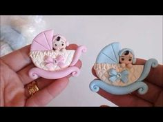 Diy how to make easy felt roses tutorial come realizzare rose in feltro pannolenci San Valentino Polymer Clay Crafts, Diy Clay, Handmade Polymer Clay, Baby Shower Cakes, Baby Boy Shower, Newborn Gifts, Baby Gifts, Clay Magnets, Baby Mold