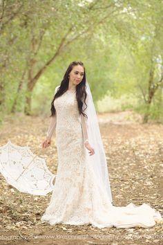 Bride | Bridals | lace | umbrella | Az wedding photographer