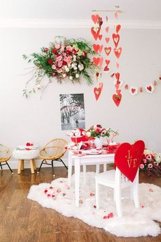 Nice 49 Gorgeous Party Decoration Ideas For Valentines Day. Kinder Valentines, Valentines Bricolage, Valentines Day Date, Valentines Day Weddings, My Funny Valentine, Valentines Day Decorations, Love Valentines, Valentines Surprise, Diy Valentine