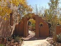 Santa Fe, NM: entryway...