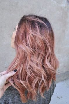 rose-gold-hair-chic
