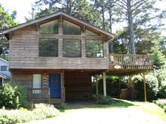 """""""Nomad's End"""" - This spacious, ocean view home is 2 blocks from the beach and is pet friendly. It sleeps 8 with 3 bedrooms and 2 bathrooms. http://www.visitcb.com/vacation-rental-home.asp?PageDataID=38854 #CannonBeach #ArchCape #Astoria #Manzanita #Seaside #Warrenton #Oregon #PNW #PacificNorthwest #ColumbiaRiver #Goonies #SandcastleContest #Love #Beach #Sanctuary #KeepCalm #KidFriendlyVacations #CannonBeachVacationRentals #EcolaStatePark #HaystackRock"""