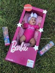 Mattel Barbie, Barbie Box, Baby Barbie, Monthly Baby Photos, Baby Girl Photos, Baby Pictures, Baby Shower Deco, Baby Boy Shower, Latina