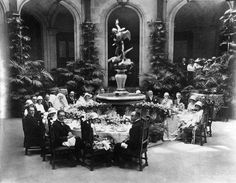 Wedding party/guests, of Cornelia Vanderbilt at Biltmore Estate, The only child of George Washington Vanderbilt and Edith Dresser Vanderbilt. The mansion was opened in during America's Gilded Age, located in Asheville, NC. Cornelia Vanderbilt, Gloria Vanderbilt, Biltmore Estate, New York, Winter Garden, Historic Homes, Large Homes, Vintage Photos, Vintage Artwork