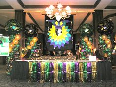 Mardi Gras Columns by Balloons By Design Madison WI