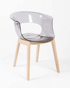 Design pur!!! Dies und mehr bei richhome. Ein Design-Stuhl aus Holz massiv und Kunststoff.
