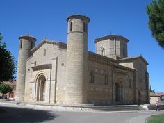 San Martín de Tours de Frómista The church of San Martín de Tours de Frómista in Frómista, province of Palencia, Spain, has been built in the century in Romanesque style. It is located on the Way of St. James to Santiago de Compostella. Byzantine Architecture, Architecture Old, Spain History, Romanesque Art, Cathedral Church, 11th Century, Spain And Portugal, Medieval Art, Kirchen