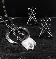 Mysterious things with a touch of dark magic - Restyle favourites ✨ 🔮 #occult #pagan #witchy #witch #witchyfashion #occultfashion #crystals #quartz