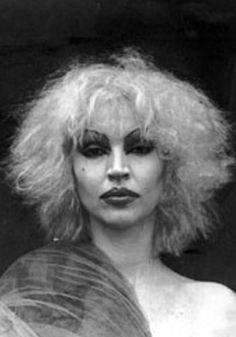 Lil' Blonde Darling: Elke Maravilha!