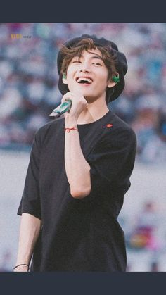 Foto Bts, Bts Photo, V Taehyung, Bts Bangtan Boy, V Bts Cute, V Bts Wallpaper, Bts Aesthetic Pictures, Bts Drawings, Korea