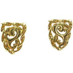 Pre-Owned Givenchy Gold Plated Crest Earrings ($159) ❤ liked on Polyvore featuring jewelry, earrings, gold, post earrings, gold plated earrings, earring jewelry, polish jewelry and pre owned jewelry
