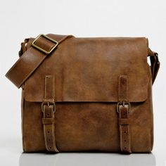 Raiders Satchel Tribe Leather | Mens Medium Leather Bags | Roots