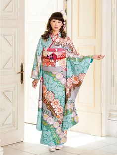 Japanese wore kimonos to distinguish themselves from the western clothing in the 19th century.