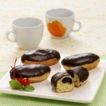 DONAT UBI ISI COKELAT http://www.sajiansedap.com/recipe/detail/4020/donat-ubi-isi-cokelat