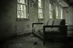 America's Top Creepiest Abandoned Places Uss Yorktown, Ammo Storage, Dark Stories, Abandoned Hospital, Historical Landmarks, Abandoned Places, Northport Alabama, Hospitals, Psych