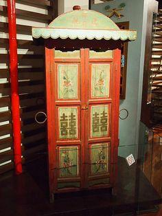 ここでは、鄧一族やこの周辺の歴史を貴重な展示品と共に知ることができます。この写真は、嫁入りの際に使用された輿。