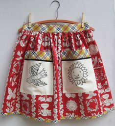 chintz aprons with appliqued and embroidered pockets - photos and notes