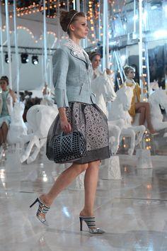 Spring/summer 2012 Louis Vuitton fashion show