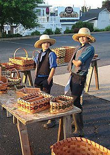 AMISH DISCOVERIES: Amish Basket Selling