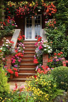 Живи красиво! - блог о дизайне и декоре: 25 вдохновляющих идей для входной двери