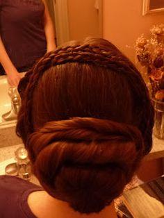 Dressed by Elizabeth: Hair, glorious hair!