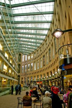 Inside the Vancouver Library - Who would have thought that public libraries could be so modern, beautiful and functional