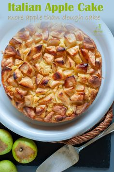 This Italian apple cake is simply made with plenty of apples to fully enjoy their taste: 1 kilo (2 pounds) of apples and no other spices added. It is the juice from these apples that make this cake creamy and fluffy. Grab this recipe from Your Guardian Chef and enjoy a real treat. #homemade #dessert #Italian #Italiandessert #easy Apple Recipes, My Recipes, Real Food Recipes, Healthy Recipes, Italian Entrees, Italian Desserts, French Recipes, Italian Recipes, Cupcake Recipes