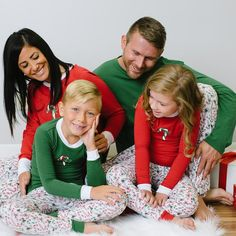 Our comfy family matching pajama set features a Christmas candy cane design. Perfect for Christmas morning pictures, lounging on family night, or snuggling by the fireplace!  Men's  Shirt: Lightweight knit with long sleeves in a relaxed fit with crewneck and ribbed knit trim Pant: Lightweight knit in a relaxed fit with side pockets, elastic waistband, drawstring closure and allover print   Women's  Shirt: Lightweight knit with long raglan sleeves with contrast crewneck and candy cane ...