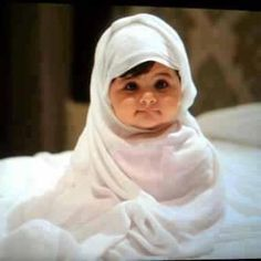 awww sweety .. cute baby girl