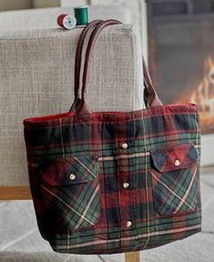 A Flannel Shirt Makes a Charming Tote - Quilting Digest - Shirt Tale Tote Pattern Best Picture For basic sewing projects For Your Taste You are looking for - Sewing Hacks, Sewing Tutorials, Sewing Crafts, Sewing Tips, Tote Bag Tutorials, Bags Sewing, Sewing Ideas, Sewing Patterns Free, Free Sewing