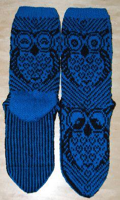 Ravelry: Ugler i mosen Sokk pattern by Lill C. Fair Isle Knitting, Knitting Socks, Loom Knitting, Hand Knitting, Knitting Patterns, Crochet Patterns, How To Purl Knit, Knitted Shawls, Mittens