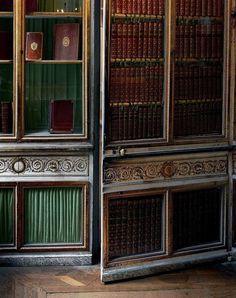 A door left ajar in Marie-Antoinette's library, taken in 2008,Re-title.