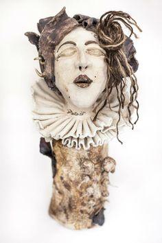 """escultura cerámica. """" el coll""""."""