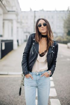 Sexy Streetstyle: So tragt ihr den angesagten Lingerie-Look   Leather jAcket light jeans blush tank top black choker   Fall spring
