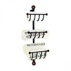 Forged iron Towel Organizer Specialists in vintage bathrooms, with unique pieces for decoration. Bathroom Shelves For Towels, Bathroom Vanity Decor, Bathroom Wall Panels, Small Bathroom Vanities, Boho Bathroom, Bathroom Wallpaper, Budget Bathroom, Bathroom Remodeling, Bathroom Interior