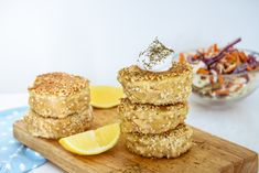 Often eaten like a whole grain, quinoa is actually an edible seed and a complete protein. High Protein Snacks, High Protein Recipes, Protein Foods, Healthy Foods, Healthy Eating, Healthy Recipes, Sin Gluten, Almond Recipes, Gluten Free Recipes