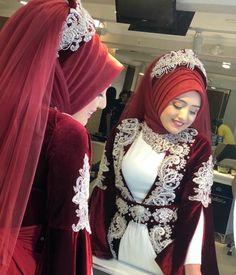 "Instagram'da İpek Bayan Kuaforü: ""#izmit#İstanbu#gebze#ipek#bayan#kuaförü#esteelauder#chanel#dior#nars#benifit#maccosmetics#cryolan#inglot#türbantasarimi#saçtasarım#selfie#m…"" Hijabi Gowns, Hijab Wedding Dresses, Hijab Bride, Bridal Dresses, New Hijab Style, Hijab Turban Style, Hajib Fashion, Muslim Fashion, Fashion Outfits"