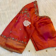 Simple Blouse Designs, Bridal Blouse Designs, Saree Blouse Designs, Blouse Patterns, Blouse Styles, Embroidery Blouses, Hand Embroidery, Work Blouse, Computer Works