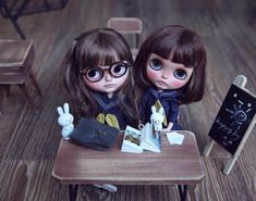Blythe ✿✿✿ 1 + 1 = 1 (new math :D) … Pretty Dolls, Beautiful Dolls, Ooak Dolls, Blythe Dolls, Cute Journals, Smart Doll, Cute Cartoon Wallpapers, Little Doll, Custom Dolls