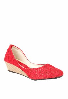 http://static2.jassets.com/p/Do-Bhai-Collection-Red-Belly-Shoes-2938-008555-1-gallery2.jpg