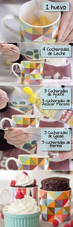 Receta Mug Cakes 😉💕 Mug Cakes, Cupcake Cakes, Köstliche Desserts, Delicious Desserts, Dessert Recipes, Yummy Food, Mug Recipes, Sweet Recipes, Comida Diy