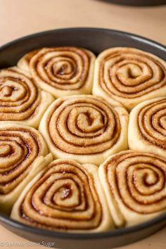 Cinnabon Cinnamon Rolls, Cinnamon Bun Recipe, Pastry Recipes, Baking Recipes, Baking Desserts, Apple Fritter Bread, Savory Pastry, Homemade Sweets, Air Fryer Recipes Easy